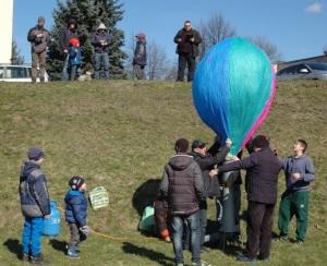 2 Napełnianie modelu balonu