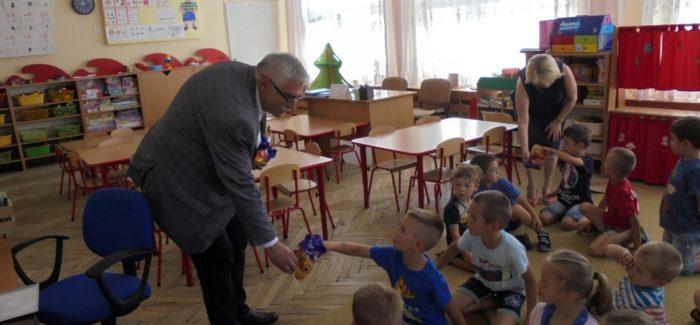 Burmistrz odwiedził przedszkolaków