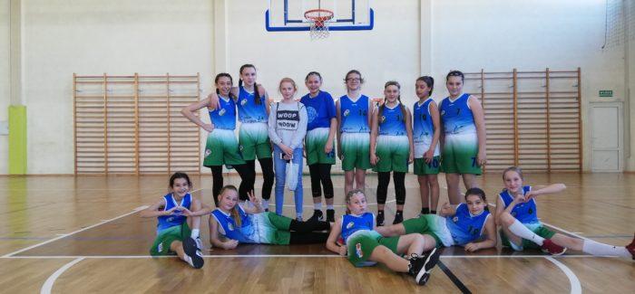 Młode koszykarki jadą na Mistrzostwa Polski